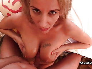 Polish MILF with milky lactating tits
