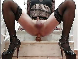 Riding 20 Cm dildo with high heels