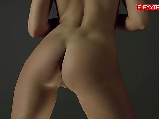 Brunette gymnast showing of her ass