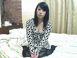 Asian babe gets fingered by her lover