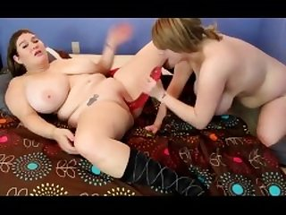 Lovely chubby lesbian eating tiny pussy cumshot show