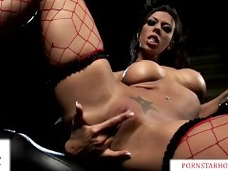 Sexy Babe Rachel Starr has Rough Sex with Big Cock on a Harley Motorcycle!