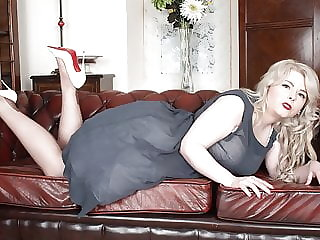 BBW Danni Marie in vintage strips to wank in nylons heels