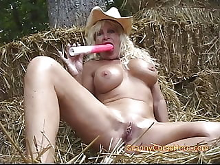 Farm Girl GRANNY