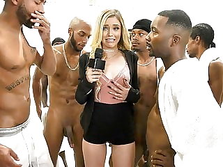 Kali Roses Sucks A Black Football Team