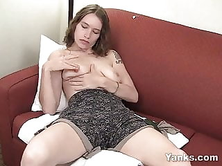 Yanks Bridgette Masturbating