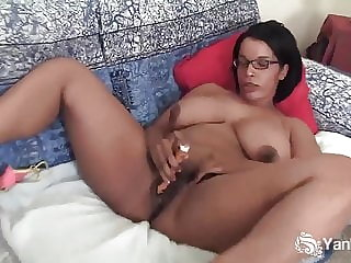 Yanks Mocha Natalia Johnson Masturbates
