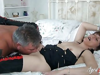 AgedLovE - British Mature Got Licked and Fucked