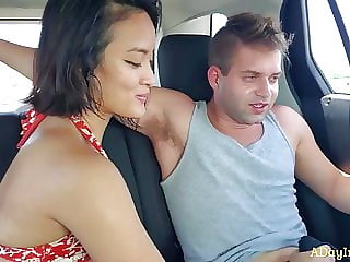 Beach Pickup Car Blowjob : A Teaser