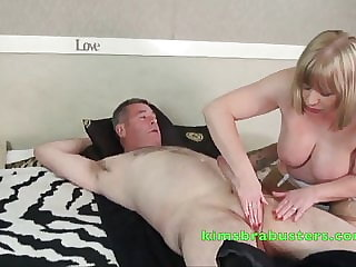 Busty British mature Aunty Trisha sets up a happy ending