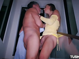 TUSHYRAW, Hottie Avery is hungry for some deep anal action