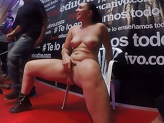 Pamela Sanchez squirts in front of a group of fans in Barcelona