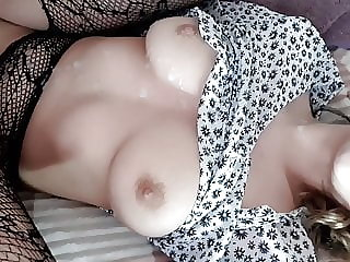 fucked a cutie in a skirt and came on her pussy