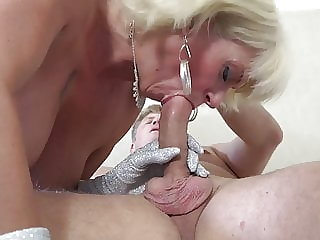 Mature blonde mom suck and fuck mature daddy