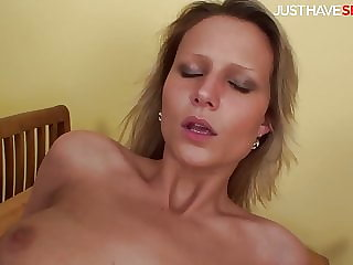 Came inside her on the first date - JustHaveSex.com