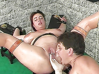 oiled chubby stepsis squirting