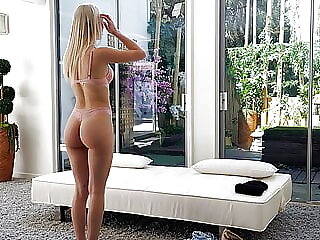 Hot Blonde Wanted It So Bad She Cheated On Her Man