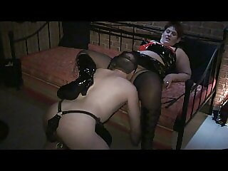 Annadevot - I let the slave lick my pussy