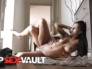 VIPSEXVAULT – Isabella Chrystin WE DIDN'T EVEN MAKE IT TO BED