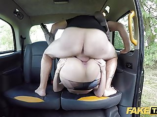 Fake Taxi British bonde bombshell Amber Jayne wants the job