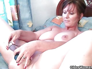 Mom needs to get off after watching online porn