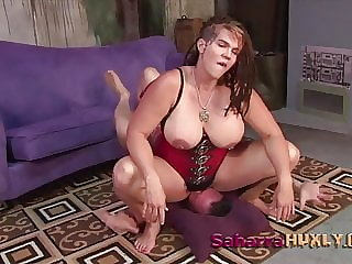 Huxly plays with Slabe Billy - Saharra Huxly