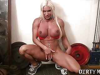 Ashlee Chambers Masturbates in the Gym