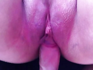 Making newly shaven pussy squirt