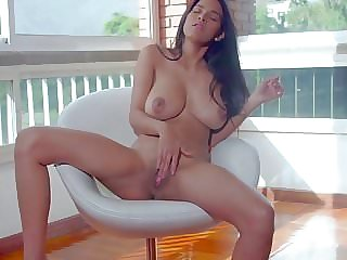 GORGEOUS HOTTIE PERFECT TITS SOLO