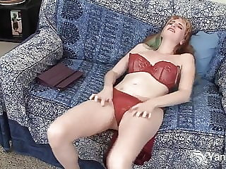 Gorgeous Daphne Fingers Her Pierced Pussy
