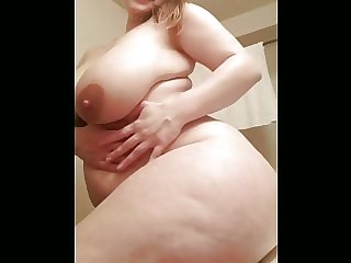 FULL BREST BBW SHOWING OFF FOR BBC