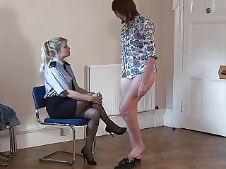 A spanking for a lady whit a lovely chubby butt!